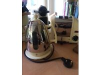 Dualit kettle and classic 2 slice toaster