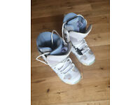 Snow Boots - Womens DC Size 6