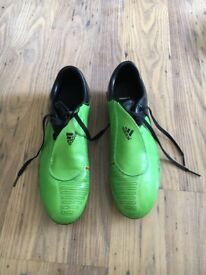 NIKE green football shoes size 8.5
