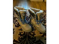 Brand new kids Regatta Winter Boots, Size 13
