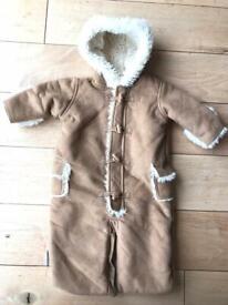 Gap luxury snowsuit 0-3 months
