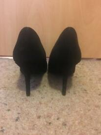 Black size 4 heels