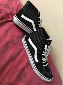 Old skool converse size 8