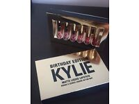 Kylie Jenner mini lipstick set of 6 colours, eyeshadows, lipstick kits, make up bags