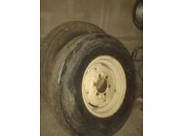 Pair of wheels to suit International tractor etc