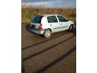 Christmas Clio with Mot cheap runner/stop gap