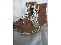 Womens high/low top animal print kickers boots