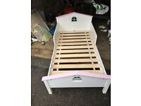 Toddler bed (GLTC)