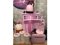 Pink kitchen bits. Text me on 07837886450