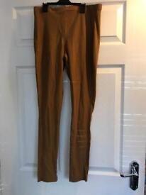 Ladies top ship size 14 brown leggings/pants