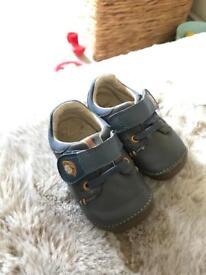 Clark's shoes 31/2 H
