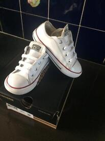 Kids white leather converse size 8