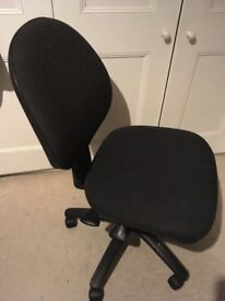 Dark, swivelly office chair – Ideal for student or home office
