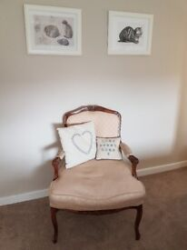 Lovely chair for sale. Very comfy. Louis X 1V style