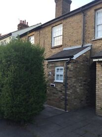 2 bed house with back garden to let, Hoddesdon