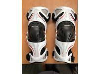 Alpinestars Pro X-Blend DEFT Dynamic Ergofit Tech Knee Protectors XL