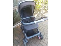 Silvercross pioneer pram (with brand new wheels)