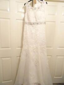 stunning white lace wedding dress =size 12