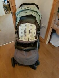 Graco quattro tour deluxe pram and carry cot