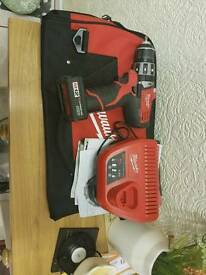 Millwauke 12v drill and radio set with 2 x 3ah batteries and case