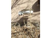 Retro WASH STAND Vintage Metal Bowl Primitive Outdoor Cleaning Garden Decor Bird Bath