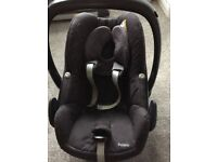 Maxi Cosi Pebble baby car seat along with Easy Base 2 **Bargain Price**