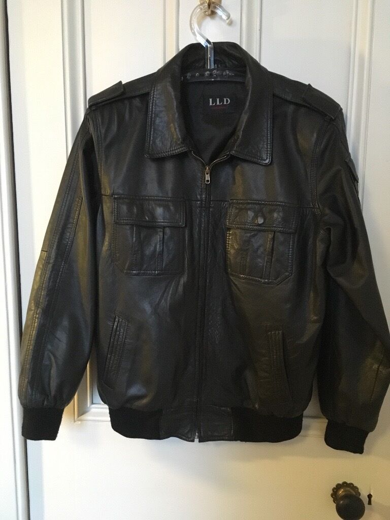 Leather Jacket (mediumin East End, GlasgowGumtree - Leather jacket, size medium. Couple of grazes on it as you can see in the images but still in good condition. I bought it for over a hundred a couple of years back, will take £25