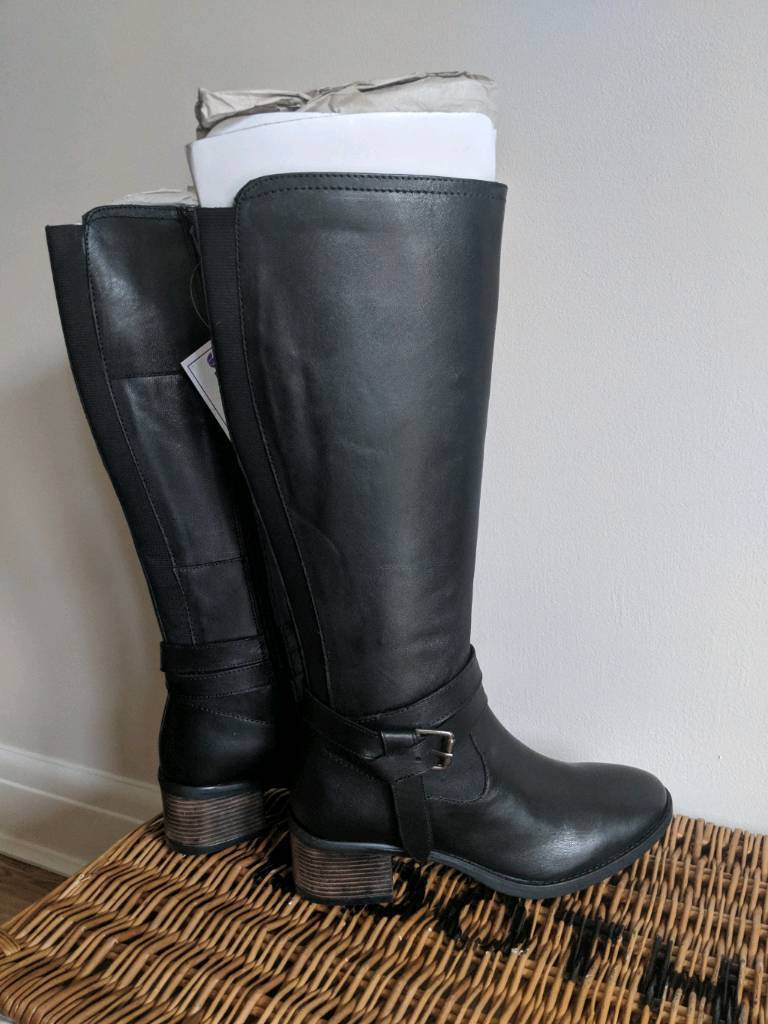 00aee5c76237 Lotus Janessa Black Leather Women s Boots size 6