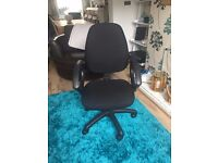 High Back Swivel Office Chair with Armrest in Black (4 IN STOCK)