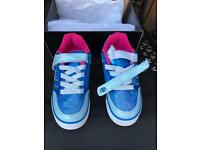 Heelys X2 Bolt Plus Ice blue / Silver / Pink Size UK3 One shoe with broken strap