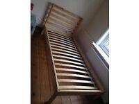 Single Light Pine Bed with slates