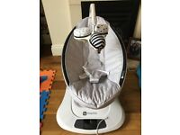 4 Moms Mamaroo in classic grey - Like brand new with original box £170