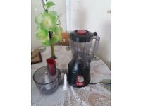 New food processor and accessories and a smoothie maker brand new no boxes £6 each