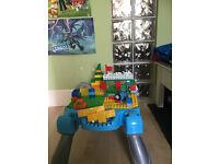 Mega Bloks Thomas Fun at Knapford Station: Play Table & Building Blocks
