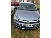 Vauxhall Astra Sxi digital Excellent condition below average miles for year.