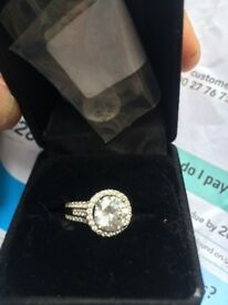 Brand new ring for sale only £10 it's a lovely silver ring