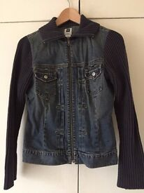 GAP FITTED DENIM JACKET (SIZE SMALL), TOP CONDITION