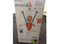 Munchkin Bounce About Baby Door Bouncer (Brand New)