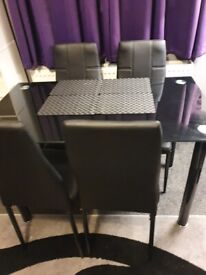 Like New Dining Table For Sale 4 Chairs