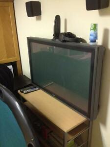 Sony Plasma 42Inch Flat Screen, Very Clean condition, needs Bulb West Island Greater Montréal image 7