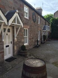 INVERNESS CITY CENTRE - SECLUDED ONE BEDROOM COTTAGE