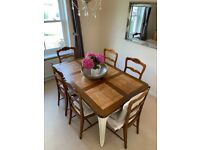 Beautiful Set of 6 Dining Room Chairs