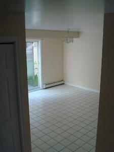 July 01- 3 BEDROOM TOWNHOUSE HEATED