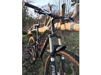 Giant Reign 2 Mountain Bike *OPEN TO OFFERS*