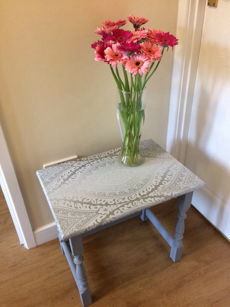Lovely Shabby Chic Side / Feature Table
