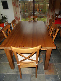 Pine effect dining table, perfect condition, solid rustic look