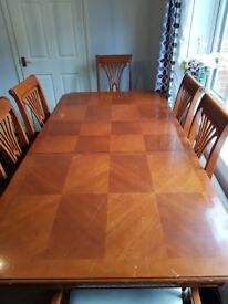 Cherrywood Extendable dining table with 6 Chairs
