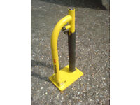 LOCKING BIKE GROUND ANCHOR WITH FRAME SUPPORT