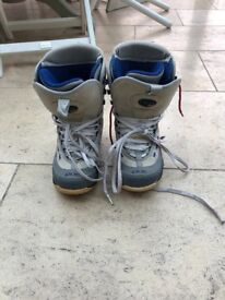 Womens Ride snowboard boots UK 5