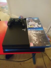 Ps4 pro perfect condition